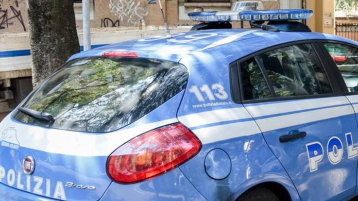 Napoli, trovato morto in casa un bimbo di 6 anni. Ferita la sorellina di 8