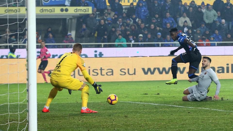 Zapata fa 3-3 un minuto dopo il rigore sbagliato ©