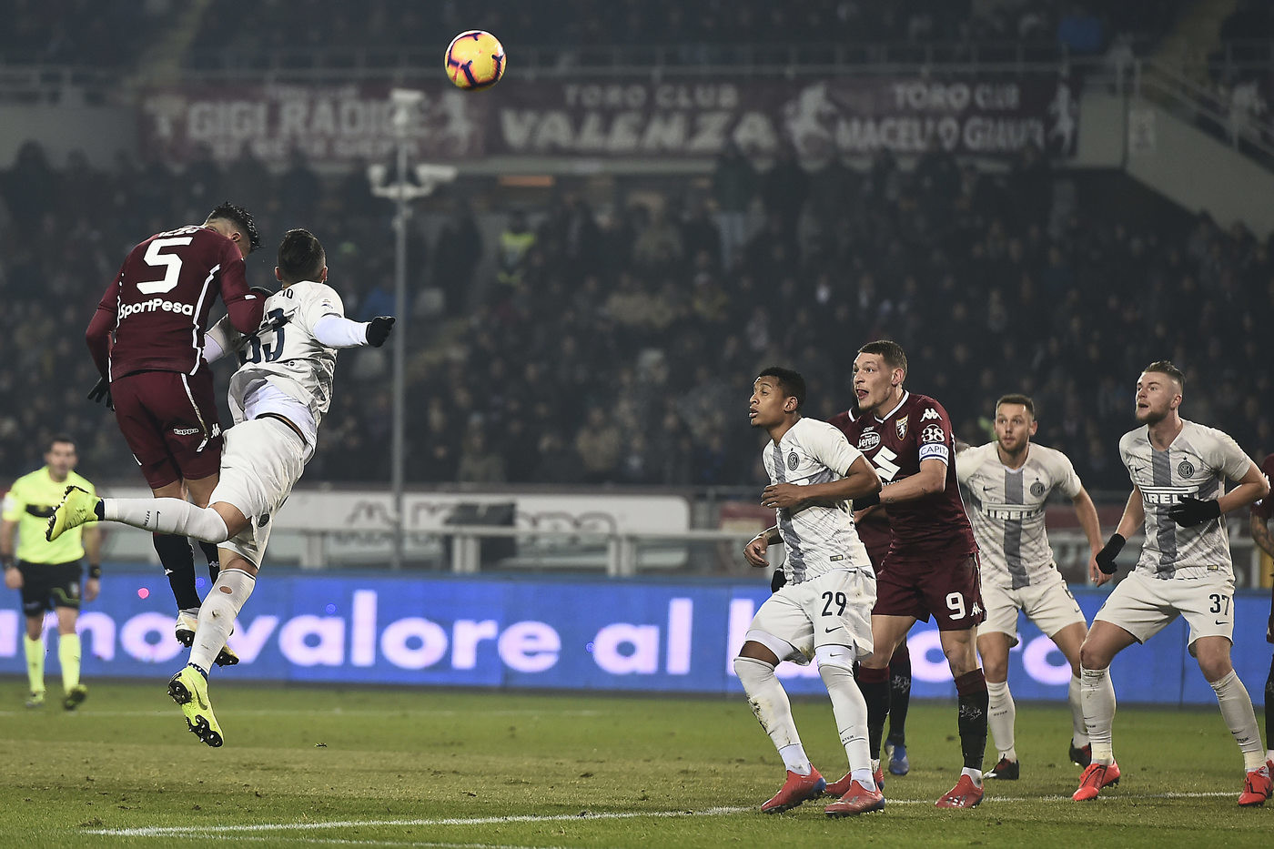 Serie A, una brutta Inter cade 1-0 a Torino: Izzo firma l'impresa granata