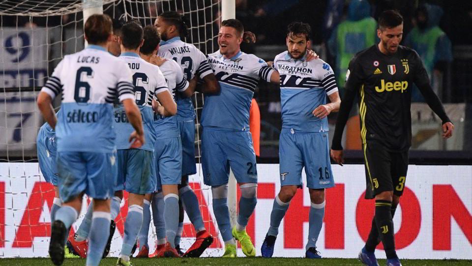 La Lazio esulta dopo il gol ©