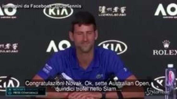 """Il siparietto tra Djokovic e il giornalista italiano: """"Sette Australian Open? Non male, vero?"""""""
