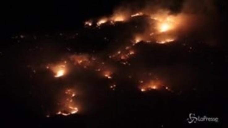 Incendio sul monte Musinè alle porte di Torino