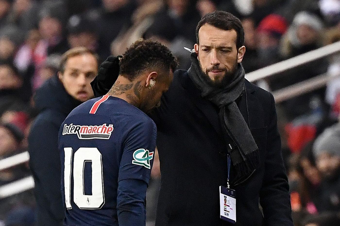 Psg, per Neymar ritorno in campo entro dieci settimane