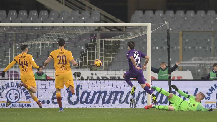 Coppa Italia, Roma travolta 7-1 dalla Fiorentina: Chiesa-show fa tripletta