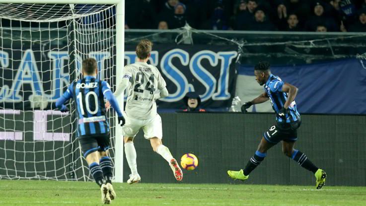 Coppa Italia, la Juventus crolla a Bergamo 3-0: Zapata spinge l'Atalanta in semifinale