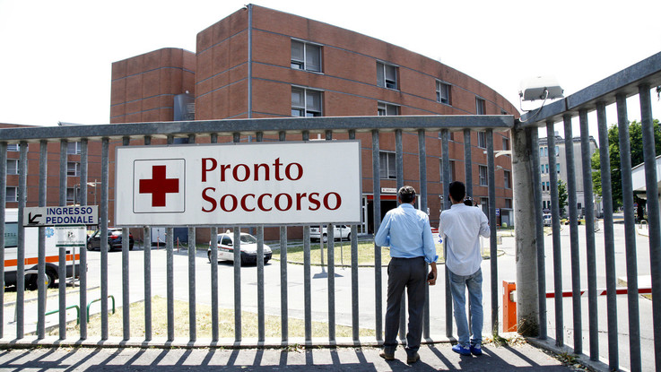 Monza, pensionato si impicca durante lo sfratto e muore in ospedale
