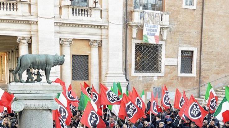 Roma, Raggi scrive a Tria per sgomberare l'mmobile occupato da CasaPound