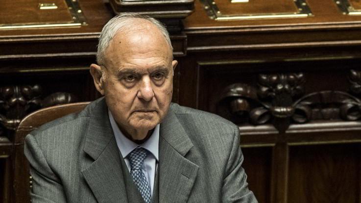 Consob, ipotesi Savona alla presidenza, ma nessun rimpasto al governo