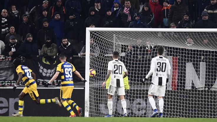 Serie A, doppio Ronaldo non basta alla Juventus: il Parma fa 3-3 al 93'