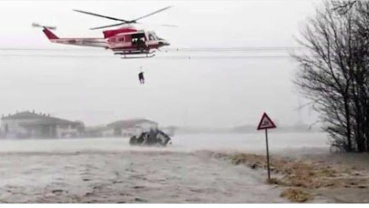 Maltempo, esonda il Reno, sott'acqua ettari di terra a Argelato alle porte di Bologna