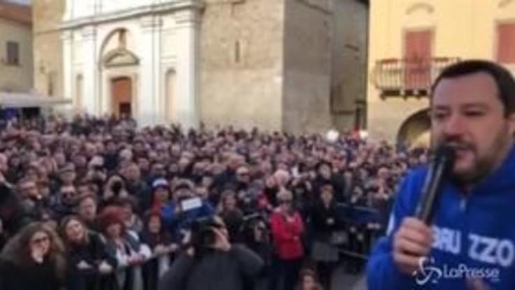 """Salvini: """"Renzi non lo pigliano manco a Beautiful, meglio Ridge"""""""