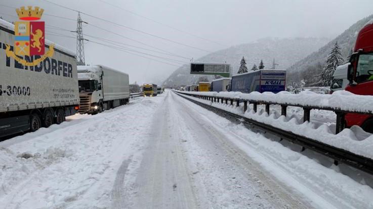 """Maltempo, Toninelli dispone ispezione sulla A22: """"L'autostrada del Brennero tornerà allo Stato"""". Lupi: """"Ignorante, è già pubblica"""""""