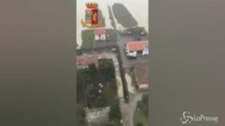 Bologna, l'esondazione del Reno vista dall'elicottero, le immagini sono impressionanti