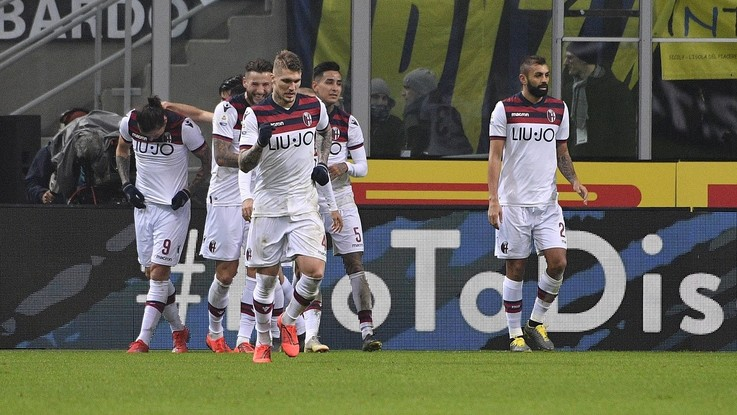 Serie A, Bologna apre la crisi dell'Inter: Santander gol, prima gioia per Mihajlovic