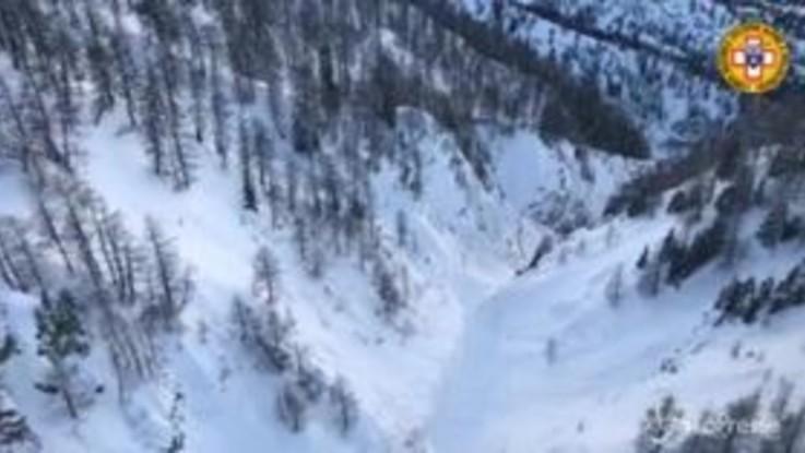 Courmayeur, le ricerche in elicottero del quarto disperso