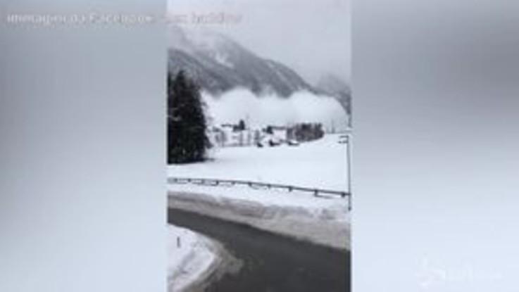 Austria, la valanga è enorme: le urla di paura degli abitanti