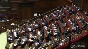 Dati Istat, Tria interviene alla Camera: bagarre in Aula