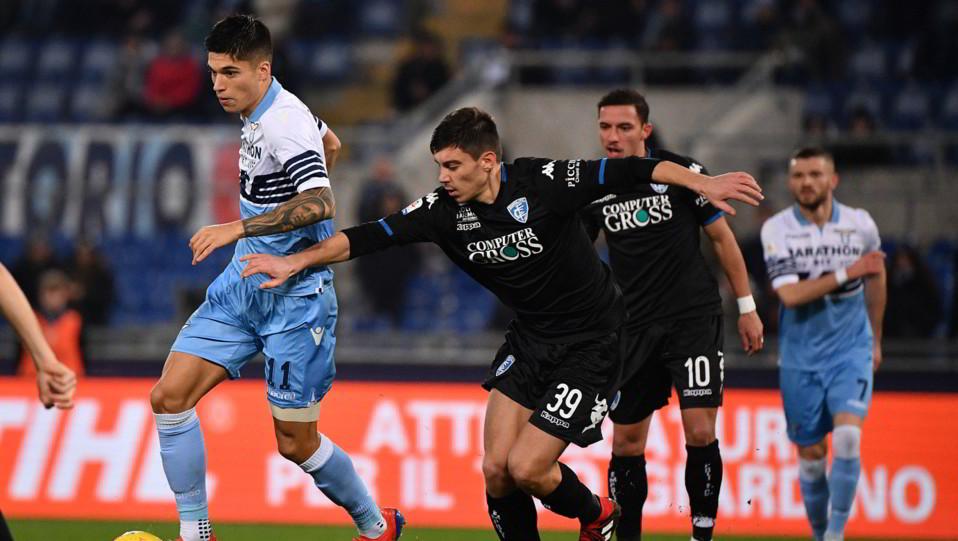 Correa contro Di Lorenzo ©