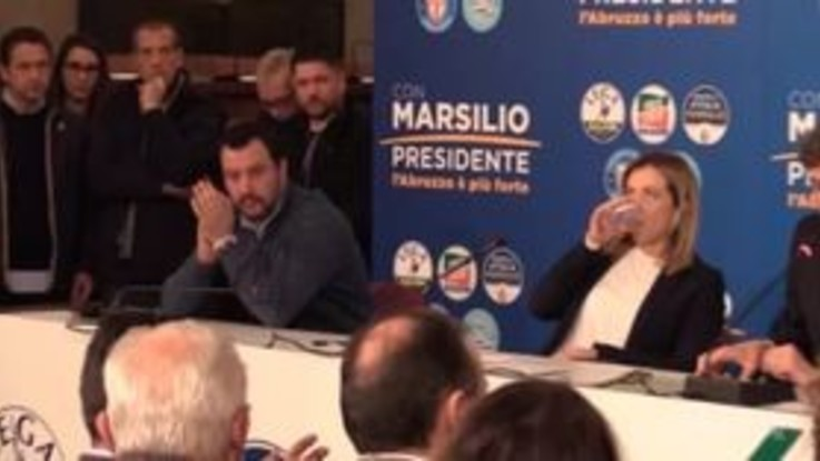 Salvini e Meloni fanno il verso a Berlusconi