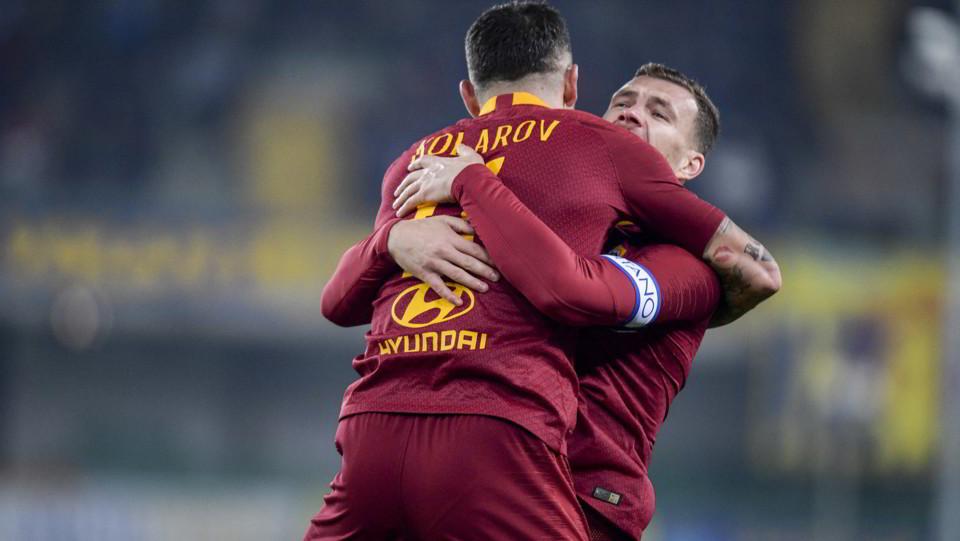 Kolarov festeggia con Dzeko ©