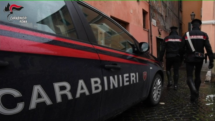 Riccione, rissa in un locale: due giovani feriti a coltellate
