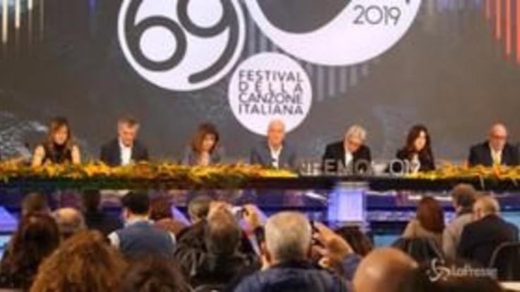 """Tapiro a Sanremo, De Santis: """"Abbiamo chiesto un'analisi chimica sul testo di Achille Lauro"""""""