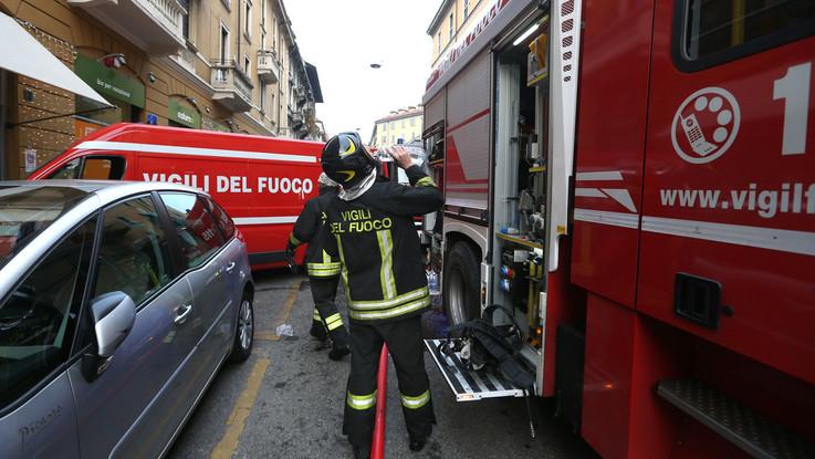 Milano, bimba di 3 anni cade da quarto piano: la sorellina la salva