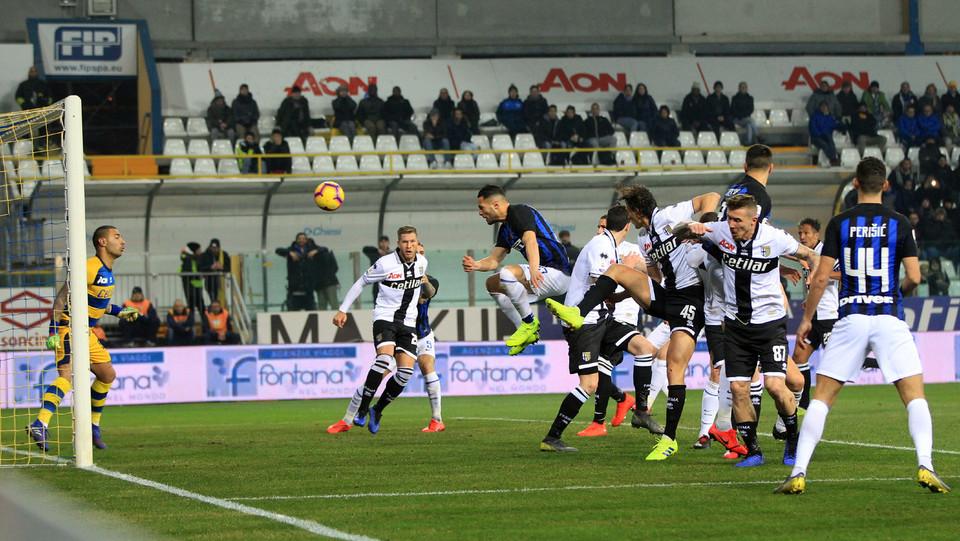 D'Ambrosio fa 0-1 ma è colpo di braccio e il Irrati annulla il gol dopo aver consultato il Var ©