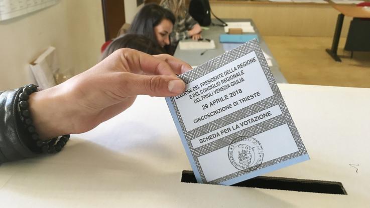 Urne aperte in Abruzzo per eleggere il nuovo governatore. E' corsa a quattro