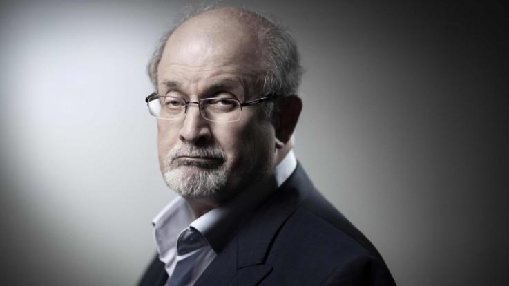 """Salman Rushdie 30 anni dopo la fatwa: """"Non voglio più vivere nascosto"""""""