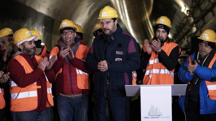 """Tav, analisi costi-benefici a Palazzo Chigi. Salvini: """"Finire quello che abbiamo iniziato"""""""