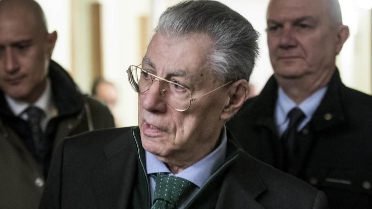 """Umberto Bossi, bollettino medico: """"E' stabile e reattivo"""""""