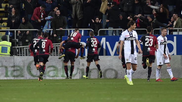 Serie A, Pavoletti 'salva' Maran: Cagliari batte Parma 2-1