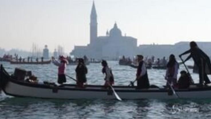 Venezia, al Carnevale sfila la 'Pantegana'