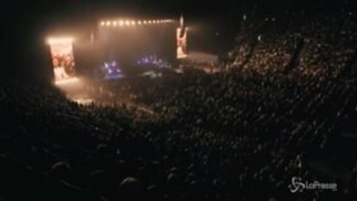 """Eros Ramazzotti, iniziato a Monaco il """"Vita ce n'è tour"""""""
