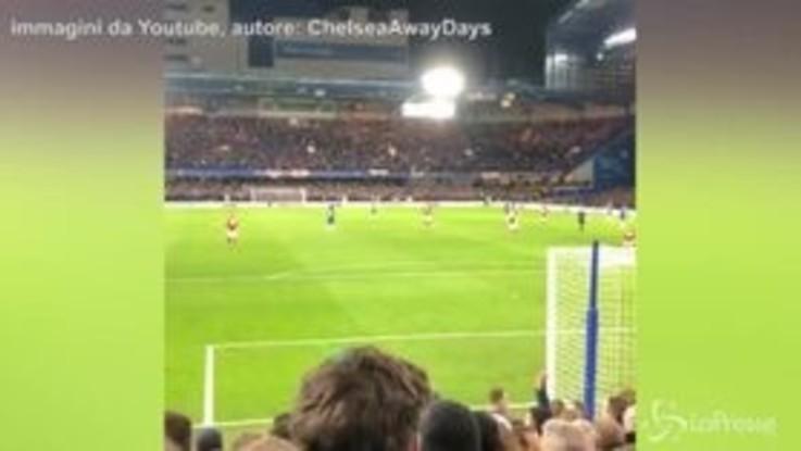 Chelsea, il coro dei tifosi contro Sarri