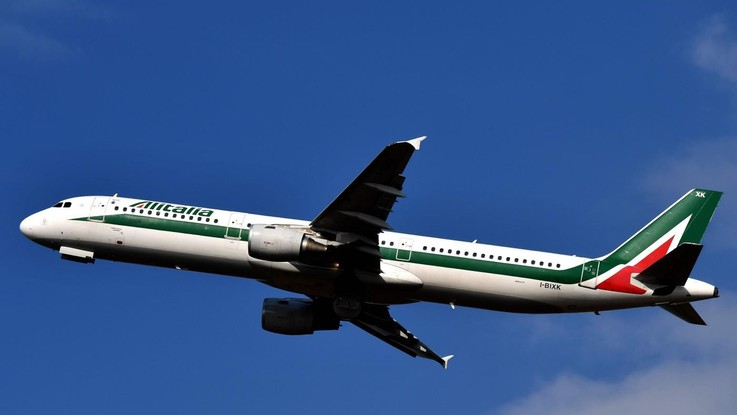 Alitalia, Delta ed EasyJet pronte a investire 400 milioni. A loro fino al 40% della società