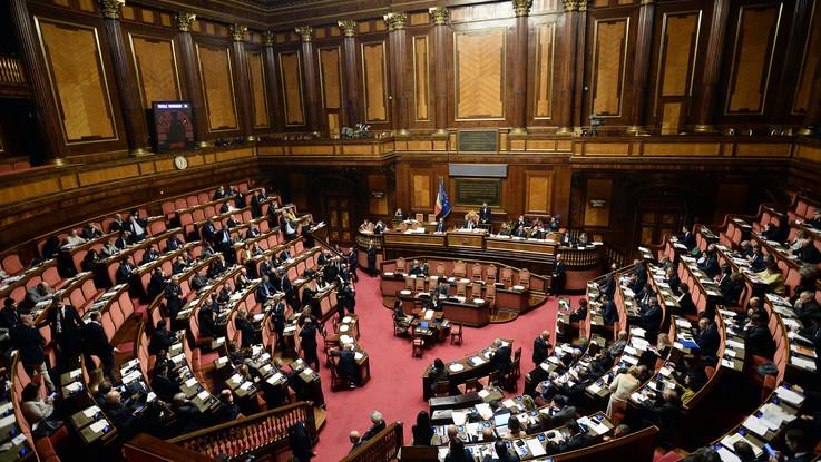 Decretone, intesa Lega-M5S su emendamenti. Stretta su finti divorzi