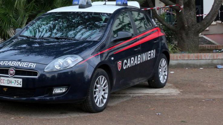 Milano, nuova frase razzista contro la famiglia che ha adottato un senegalese