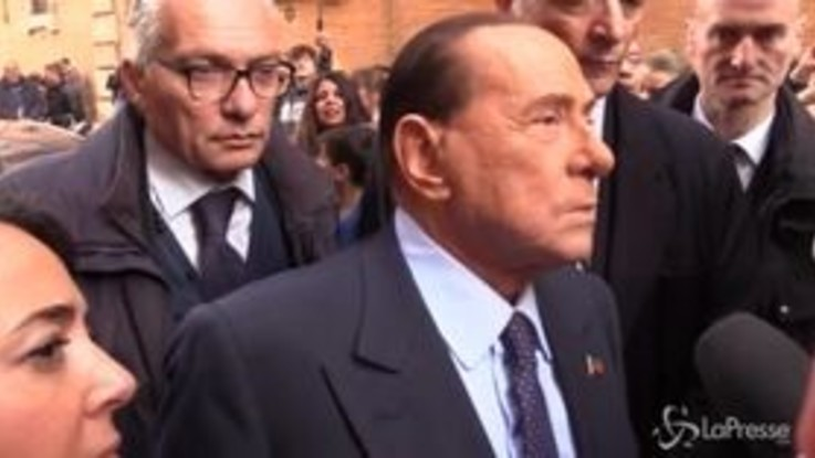 """Berlusconi: """"Spero che il governo cada il prima possibile, anche tra un'ora"""""""