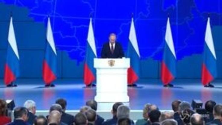 """Putin: """"Risponderemo a missili Usa in Europa"""""""