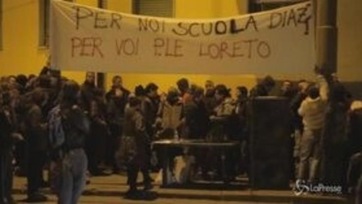 """Torino, anarchici in presidio contro Sciretti che disse: """"Ci vuole scuola Diaz"""""""