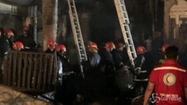 Inferno di fuoco in Bangladesh, vittime e feriti a Dacca