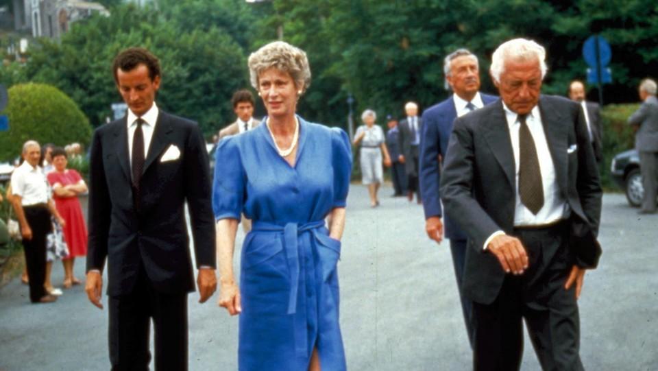 Marella e Giovanni Agnelli con il figlio Edoardo ©