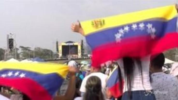 Venezuela: in migliaia al concerto anti-Maduro in Colombia