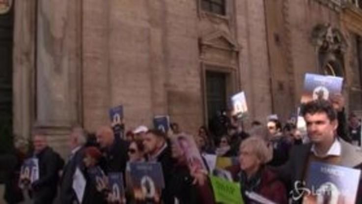 Pedofilia, a Roma la marcia delle vittime dei preti