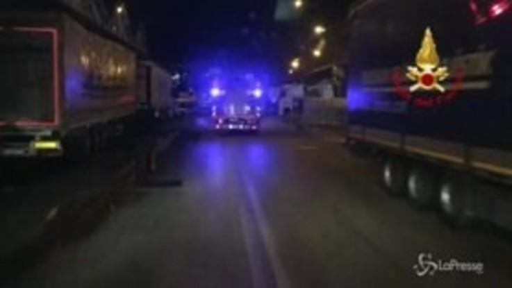 Incendio sui binari nel cosentino, treni in tilt
