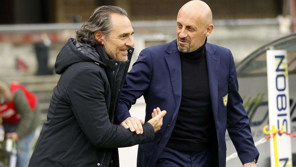 I mister Di Carlo(Chievo) e Prandelli (Genoa) ©
