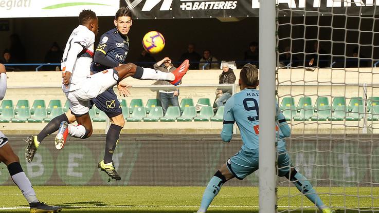 Serie A, tra Chievo e Genoa vince la noia: è 0-0 al Bentegodi
