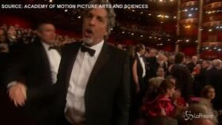 """Oscar 2019, Julia Roberts annuncia il vincitore: """"Green Book"""""""
